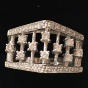 Jewelry - 18kt solid gold diamond ring